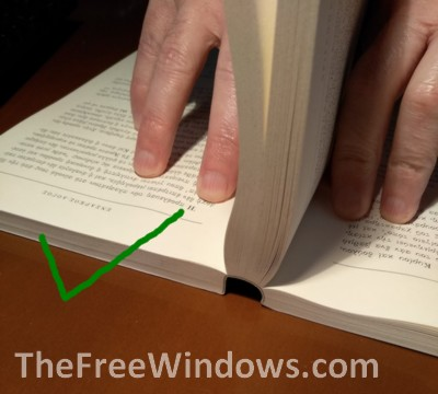 How you should open your paperbacks to avoid curved covers